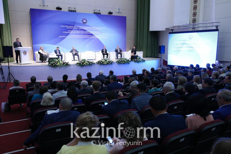 阿巴耶夫:前苏联人为大饥荒导致哈萨克斯坦上百万人无辜死亡