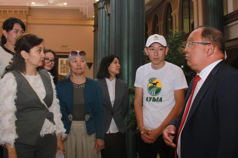 Толеутай Рахимбеков встретился с избирателями в Актау