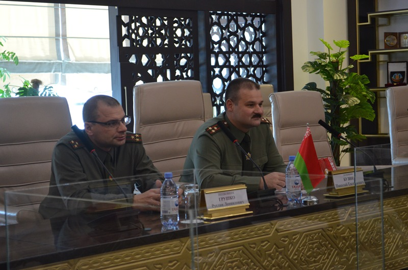 Национальный университет обороны посетила военная делегация Беларуси