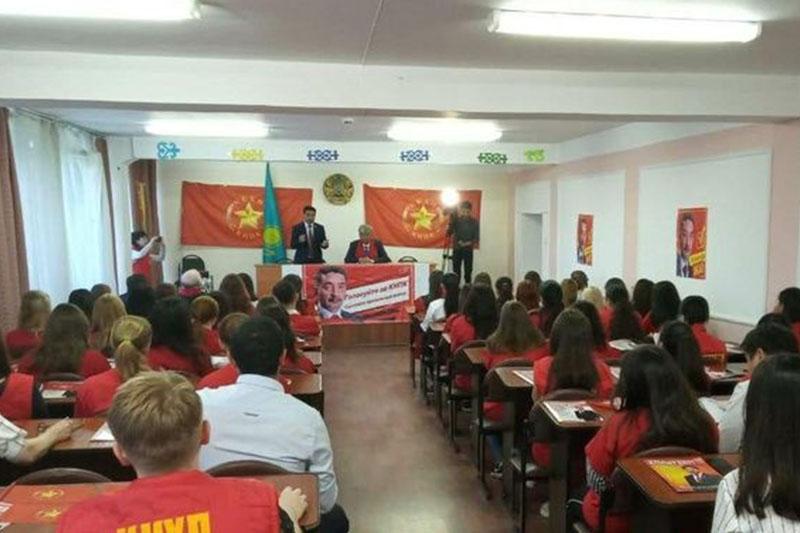 Жамбыл Ахметбеков провел встречу в Усть-Каменогорске