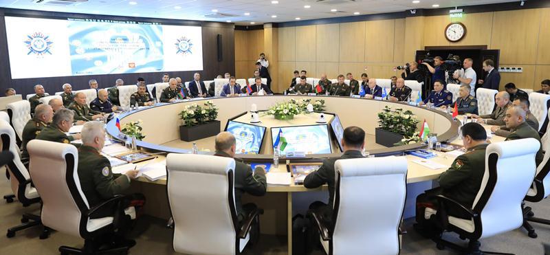 Главы военных ведомств стран СНГ обменялись мнениями по вопросам обороны