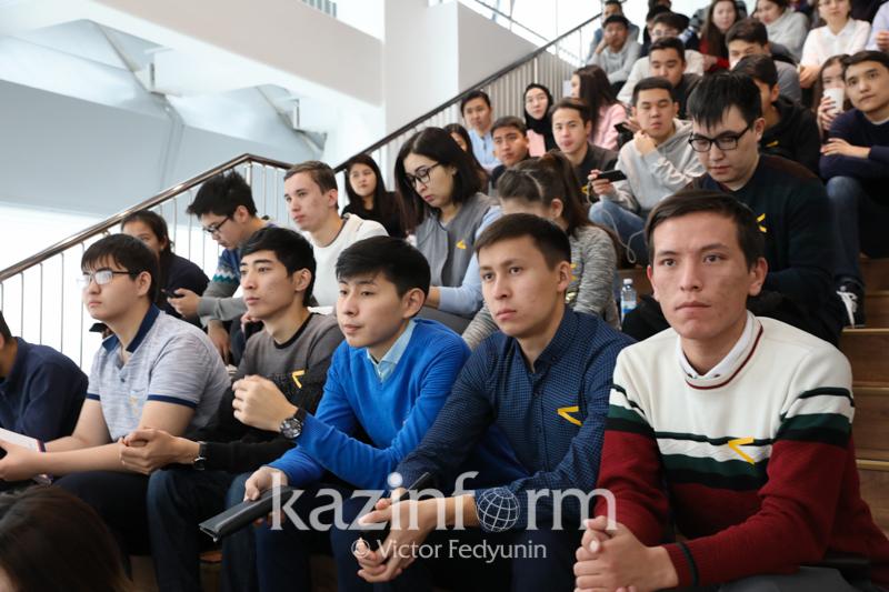 Qazaqstandyq kolledj túlekteriniń 72% jumysqa ornalasqan - QR BǴM