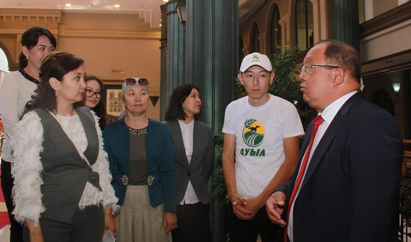 Толеутай Рахимбеков: Нужно создавать условия для спорта в селах