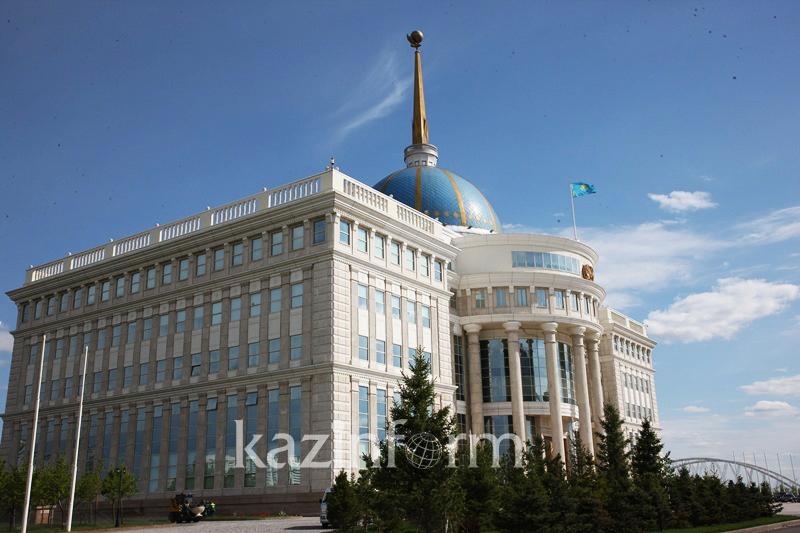 塔吉克斯坦总统祝贺托卡耶夫在总统选举中获胜