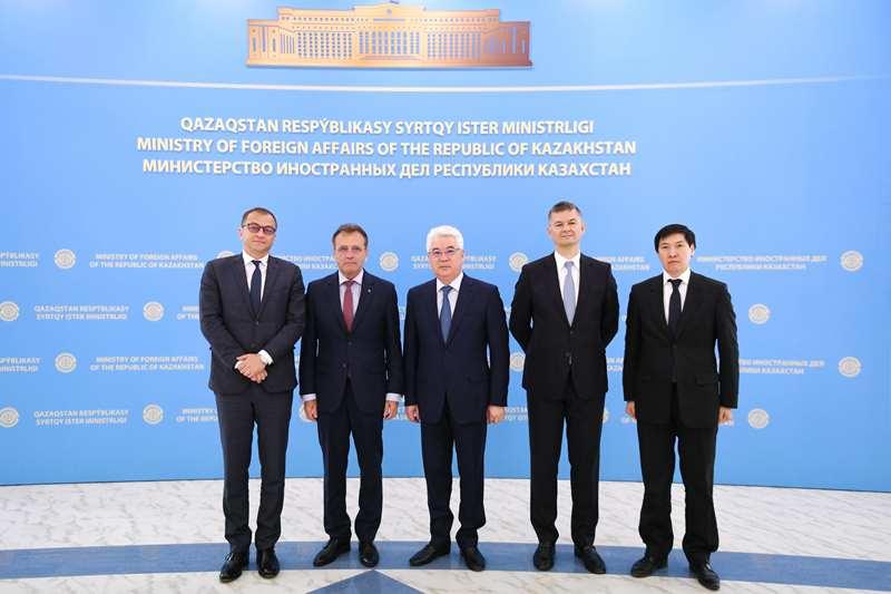 Румынские наблюдатели отметили высокую прозрачность президентских выборов в Казахстане