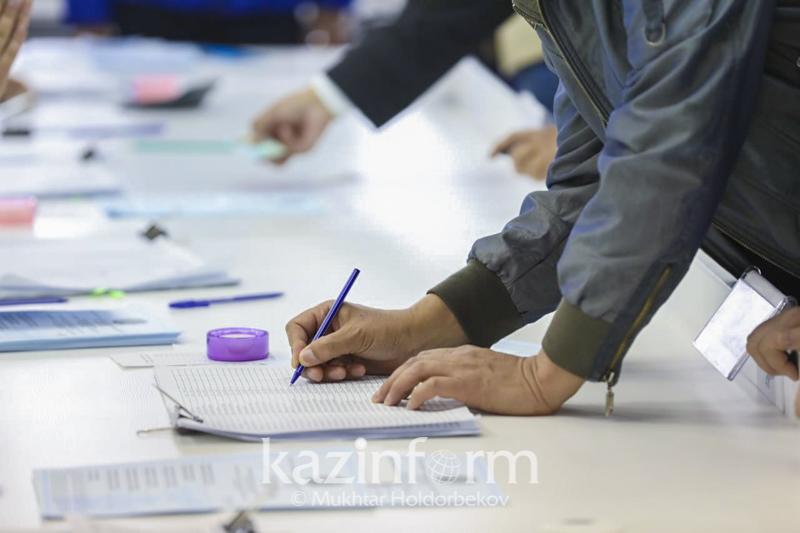 По каким вопросам обращались граждане в избиркомы в день выборов