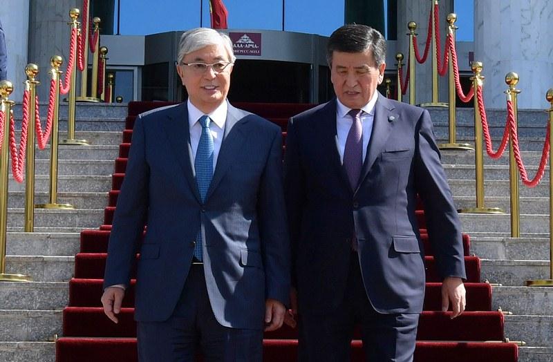 托卡耶夫会见吉尔吉斯斯坦总统吉恩别科夫