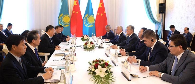 Касым-Жомарт Токаев встретился с Си Цзиньпином в Бишкеке