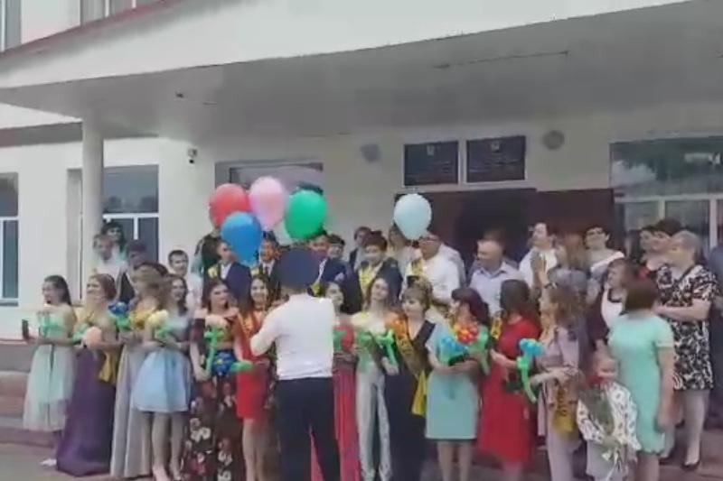 Полицейские  сделали сюрприз для выпускников сельской школы в Павлодарской области