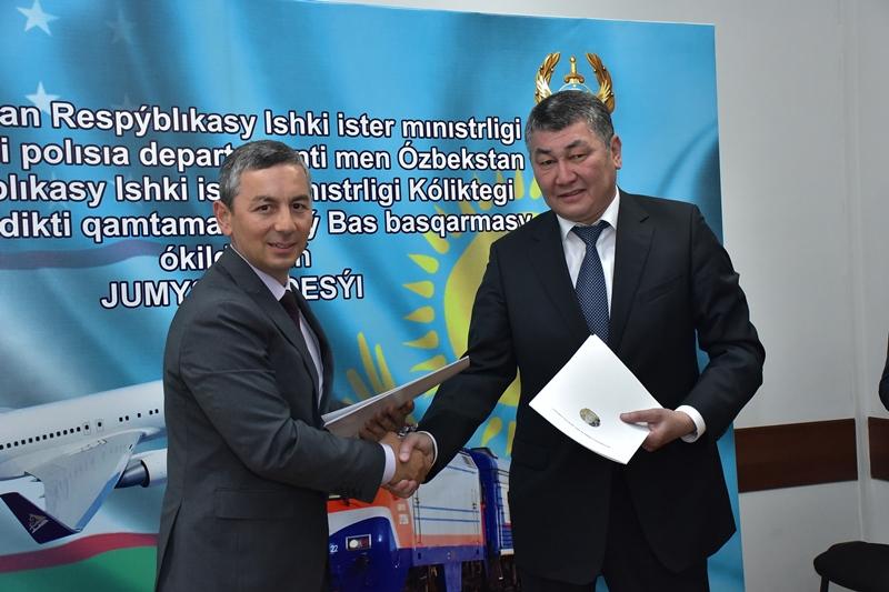 Транспортные полицейские Казахстана и Узбекистана обсудили приграничное сотрудничество