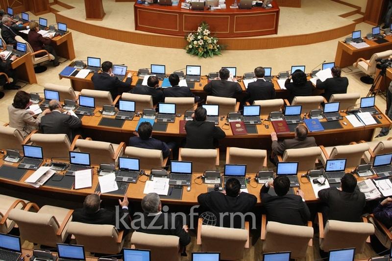 议会今年可能将延期进入休会期