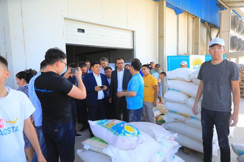 Маулен Ашимбаев встретился с эвакуированными жителями Арыси