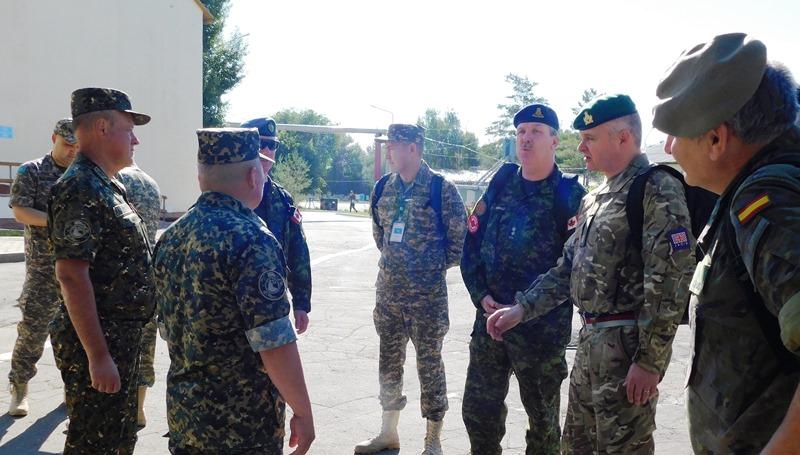 Инспекторская группа ОБСЕ посетила воинскую часть Нацгвардии в Уральске