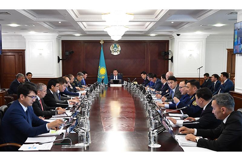 Премьер провел заседание комиссии по вопросам цифровизации при Президенте РК