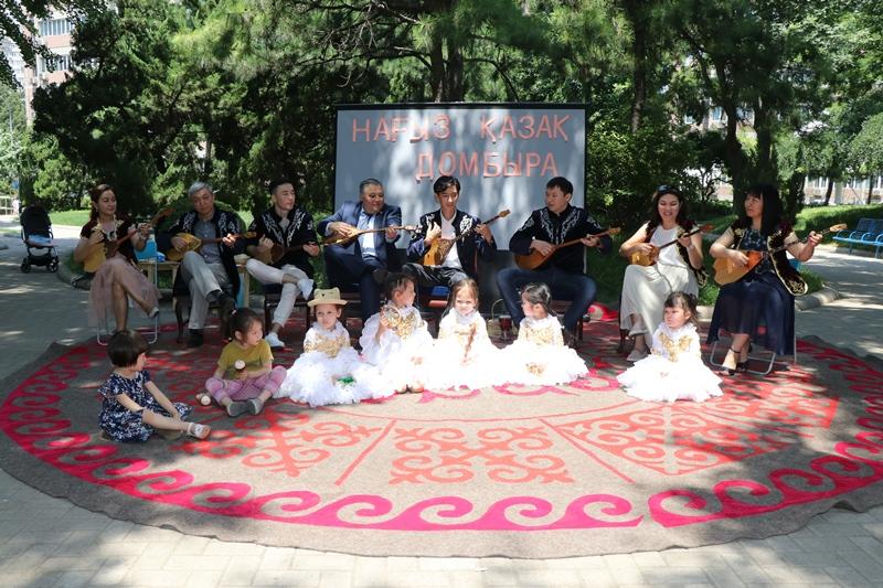 北京举办活动庆祝