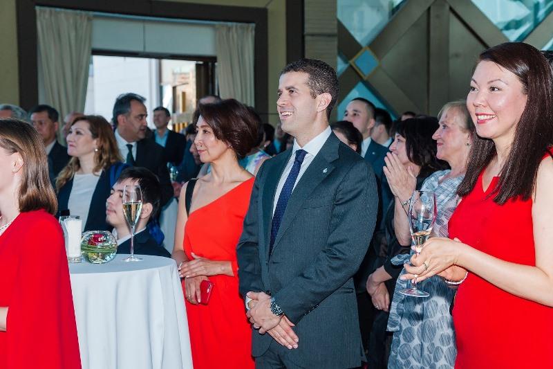 加拿大驻哈使馆举办活动庆祝国庆节