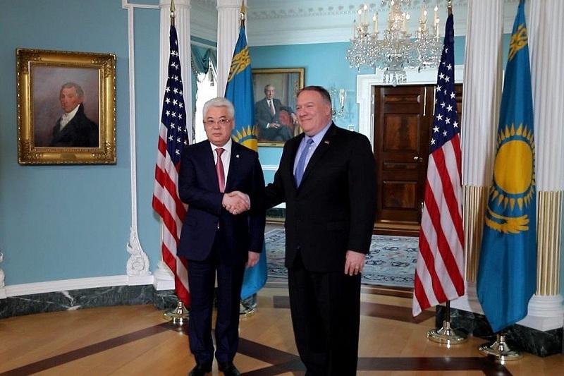 Майкл Помпео выразил поддержку укреплению стратегического партнерства между США и Казахстаном