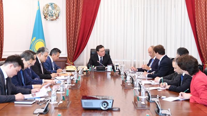 政府总理会见外国大型企业领导