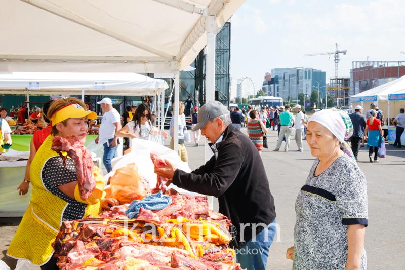 День столицы: в Нур-Султане проходят две ярмарки