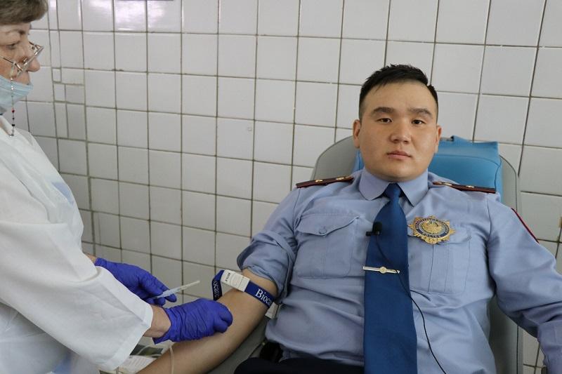 Ровесники столицы стали донорами крови в Павлодаре