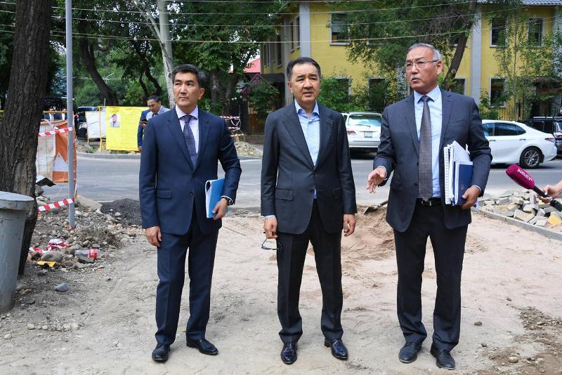 Бакытжан Сагинтаев дал ряд поручений акиму Медеуского района Алматы