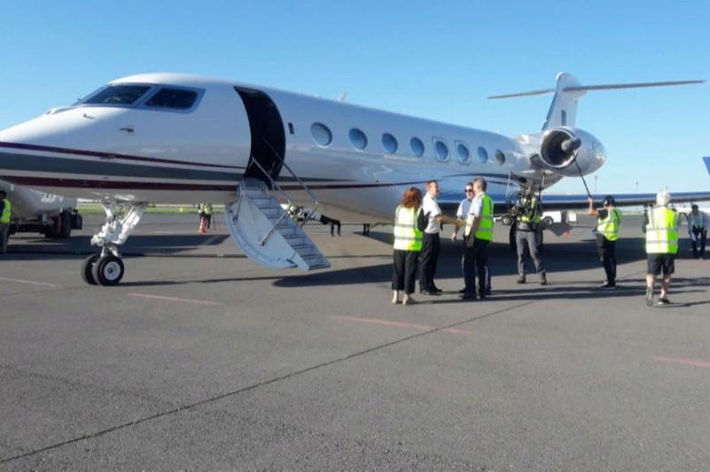 Международный экипаж, пытающийся побить мировой рекорд скорости в кругосветном полете, приземлился в Нур-Султане