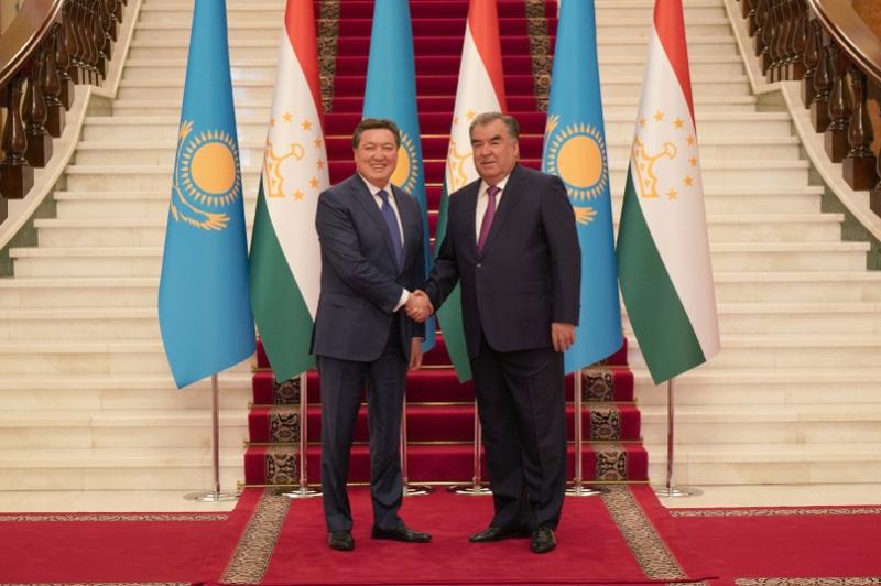 Asqar Mamın Tájikstanmen saýda-ekonomıkalyq yntymaqtastyqty arttyrý boıynsha kelissózder júrgizdi