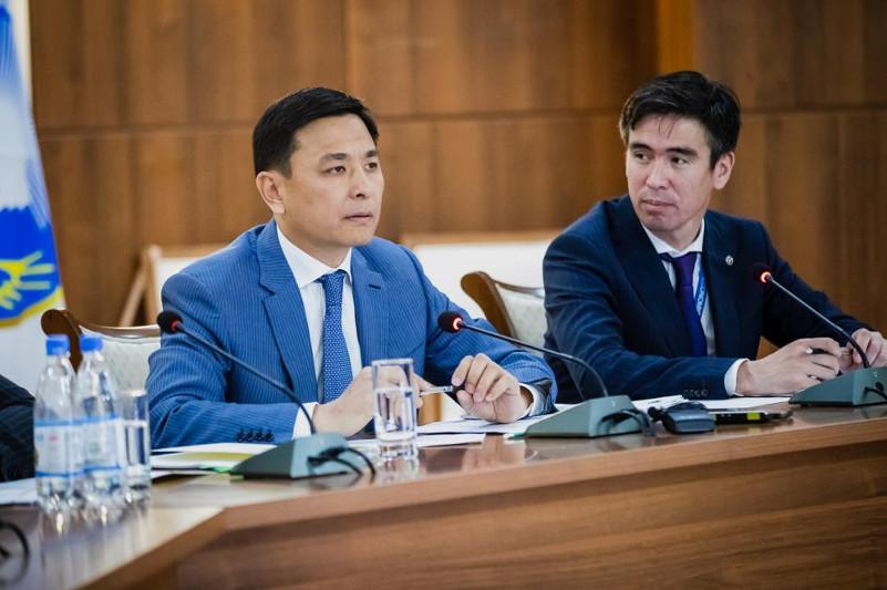 Алтай Кульгинов пообещал столичным  главврачам решить хозяйственные вопросы