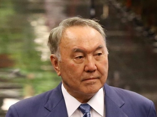 Kazakh leader: Rada holds back Poroshenko from accepting Donbass status