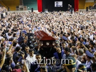 Almaty residents bid final farewell to Denis Ten