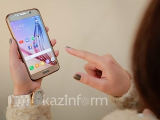 64pct of Kazakhstanis use smartphones to access Internet – Information Minister