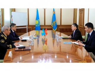 Defense Minister, Kyrgyz Ambassador meet in Astana