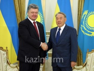 Poroshenko lauds Nazarbayev's role in development of Ukrainian-Kazakh relations