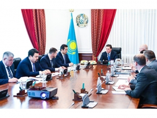 Kazakh PM, CEO of Russian tractor factory mull over cooperation