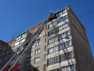 37 people evacuated from burning residential building in Petropavlovsk