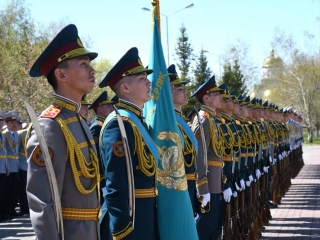 Over 650 police officers awarded state or departmental decorations
