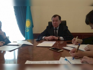 Kazakh ambassador meets with Kyrgyz media representatives
