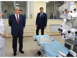 Kassym-Jomart Tokayev visited Uniserv Medical Center in Uralsk