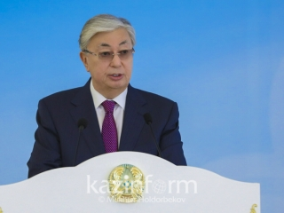 Kazakh President instructs to complete construction of Kyzylorda glass factory