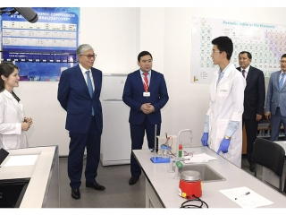 President visits APEC PetroTechnic Higher College
