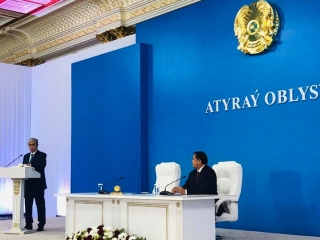 Tokayev meets the public of Atyrau region