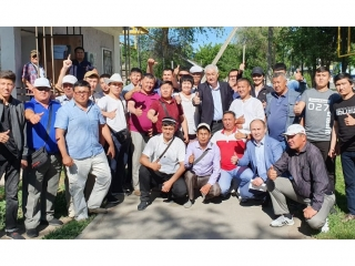 Amirzhan Kossanov meets with activists of W Kazakhstan election campaign headquarters