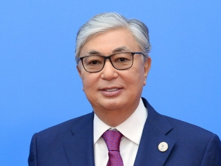 Kazakh President congratulates health workers on professional holiday