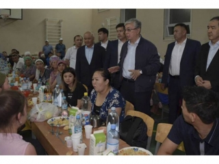 Kassym-Jomart Tokayev gives his one-day earnings in aid of Arys blast victims