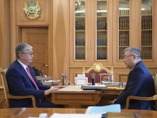 Kassym-Jomart Tokayev receives Chairman of Supreme Judicial Council