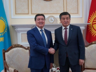 PM Mamin participates in VIII session of Kazakh-Kyrgyz Intergovernmental Council in Bishkek